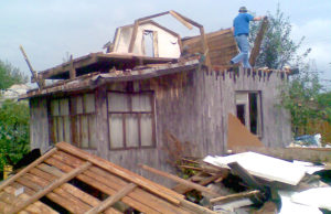 Снос старых домов и зданий