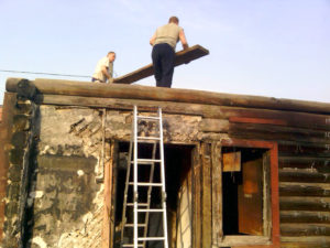 Разбор старых деревянных домов. Демонтаж частных домов
