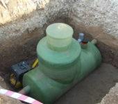 kanalizatsionnyy-septik-s-funktsiey-otseva-zhirov-i-masla-e1483037181970